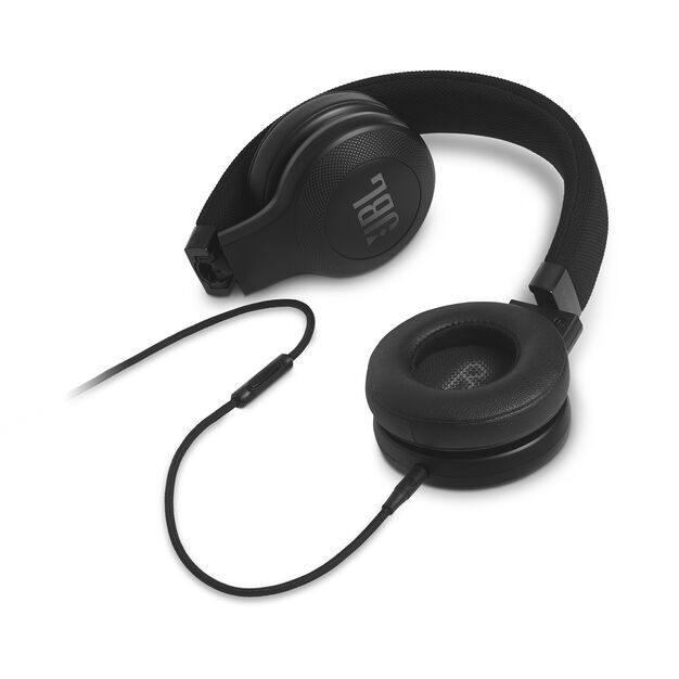 E35 - Black - On-ear headphones - Detailshot 3